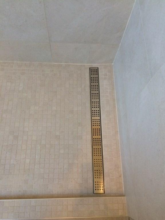 R alisation d 39 une salle de bain octobre 2014 avant et for Arte casa carrelage